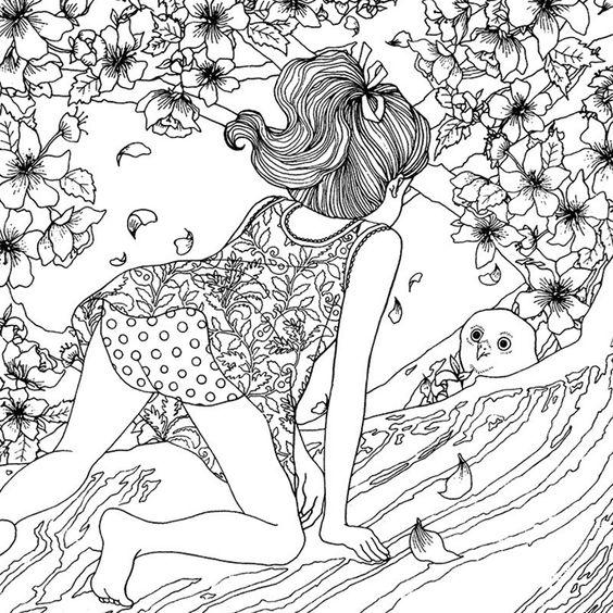 Девочка залезла на дерево за птенцом Раскраски для взрослых скачать