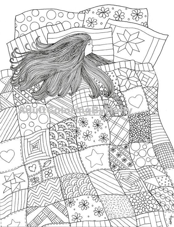 Девушка Девушка с длинными волосам спит на кровати укрывшись одеялом из узоров Картинки антистресс раскраскиАнтистресс онлайн